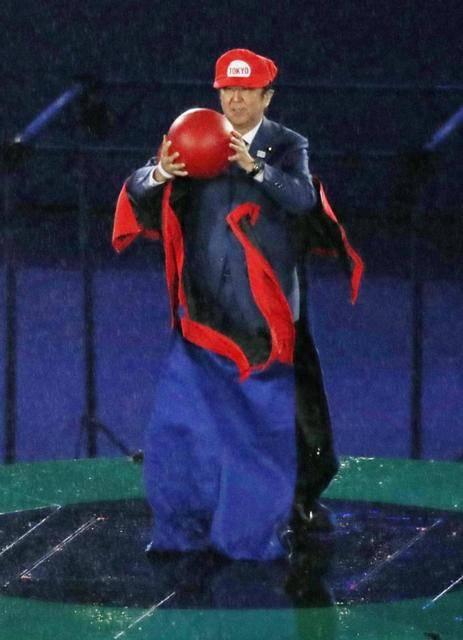 """【オリンピック】安倍マリオ、土管で閉会式に""""ワープ"""" ドラえもん、翼…日本キャラ多数"""