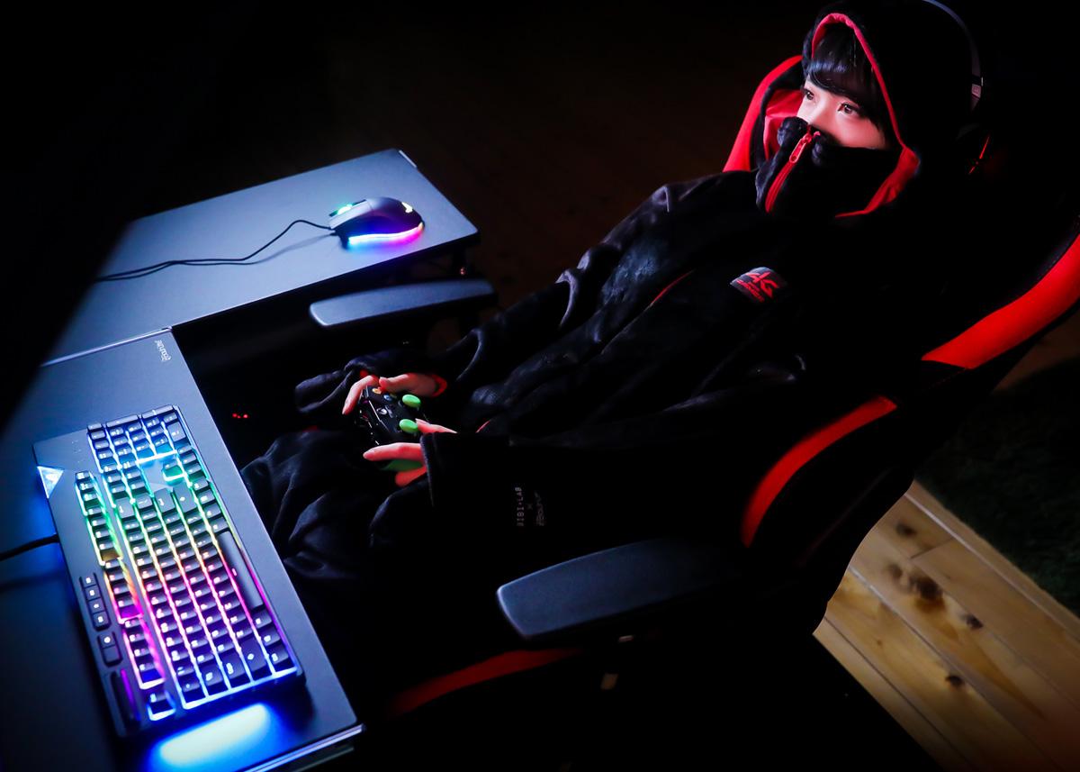 ワイ「PCでゲームやってみるか」→WASDで移動、小指でshift押す