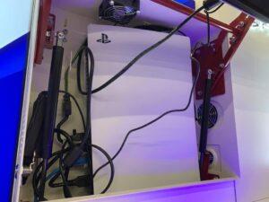 【悲報】PS5さん、排気ファン付きラックの中で熱暴走していたことが判明!!